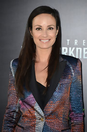 Catt Sadler stuck to a simple and chic straight cut at the premiere of 'Star Trek Into Darkness.'