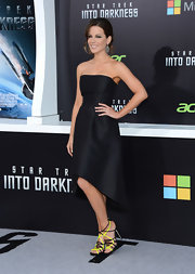 Kate Beckinsale's classic little black dress had some modern touches such as the strapless neckline and asymmetrical hem.
