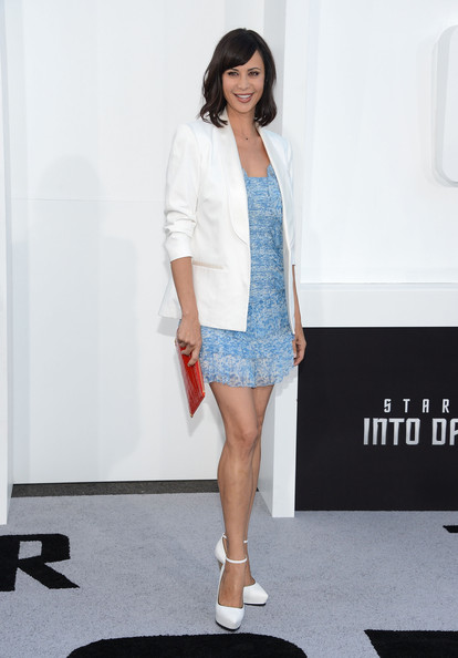 More Pics of Catherine Bell Oversized Clutch (1 of 20) - Oversized Clutch Lookbook - StyleBistro