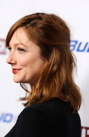 Judy Greer attended the premiere of 'Jeff Who Lives at Home' wearing her hair casually tousled with side-swept bangs.