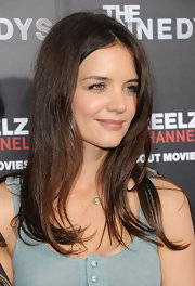 Katie Holmes stepped out to the premiere of 'The Kennedys' with straight center part tresses.