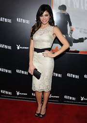 Jenna Dewan-Tatum added a touch of dark polish to her lacy, ladylike look at the premiere of 'Haywire.'