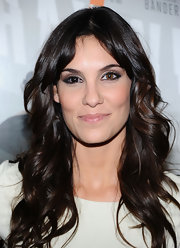Daniela Ruah wore her hair in long layered waves at the premiere of 'Haywire.'