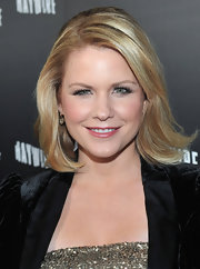 Carrie Keagan wore her classic bob with an adorable flip at the premiere of 'Haywire.'