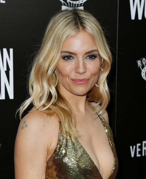 More Pics of Sienna Miller Evening Sandals (1 of 26) - Sienna Miller Lookbook - StyleBistro [hair,blond,hairstyle,eyebrow,beauty,chin,long hair,lip,eyelash,brown hair,arrivals,american woman,sienna miller,of roadside attraction,premiere of roadside attraction,arclight hollywood,california,sienna miller,american woman,arclight cinemas - hollywood,premiere,celebrity,arclight cinemas,actor,red carpet,socialite]