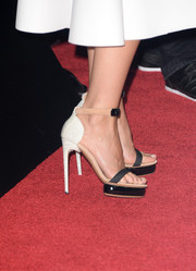 Gwyneth Paltrow added a modern vibe to her look with these tricolor platform sandals when she attended the 'Thanks for Sharing' premiere.