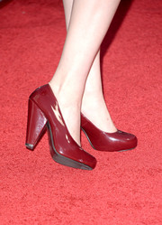 Katherine McNamara's chunky-heeled red pumps at the 'Thanks for Sharing' premiere had a retro feel.