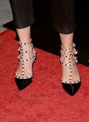 Rebecca Romijn chose edgy-glam Valentino Rockstud pumps to complete her ensemble at the 'Thanks for Sharing' premiere.