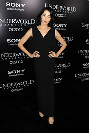 Sandrine Holt paired her black gown with nude pumps.