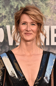 Laura Dern was rocker-glam at the premiere of 'Twin Peaks' wearing this loose, messy ponytail.