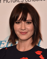 Mary Elizabeth Winstead wore her hair in a short layered cut with wispy bangs at the premiere of 'The Hollars.'