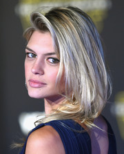 Kelly Rohrbach was sexily coiffed with tousled layers at the 'Star Wars: The Force Awakens' premiere.