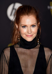 Darby Stanchfield pulled off this messy ponytail at the 'Star Wars: The Force Awakens' premiere.