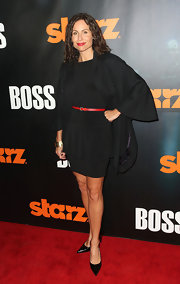 At the 'Boos' premiere, Minnie Driver paired her classic black dress with simple patent leather stilettos.