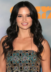 Katrina Law wore her hair with a casual center part and long loose waves at the premiere of 'Spartacus: Vengeance.'
