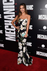 Jessica Alba went for ultra-feminine glamour in a strapless floral corset gown by Dolce & Gabbana for her 'Mechanic: Resurrection' premiere look.