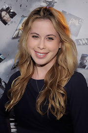 Tara Lipinski parted her long curls down the center for the premiere of 'Source Code.'
