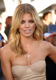 AnnaLynne McCord paired her strapless dress with a silver pendant necklace.