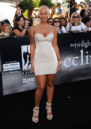 Amber Rose made a surprising appearance at the 'Twilight Saga:Eclipse' premiere in a curve hugging cocktail dress.