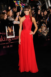 Sharni Vinson was red hot at the 'Breaking Dawn' premiere in a stunning crimson gown. The actress' fitted bodice accentuated her svelte figure while a floor-sweeping chiffon skirt gave a romantic finish to the evening dress.