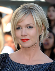 The actress sported a super short, razor-cut hairstyle with longer, face-framing strands and diamond drop earrings.