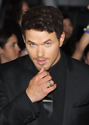 Kellan Lutz wore a curb chain ring at the premiere of 'The Twilight Saga: Breaking Dawn Part 1.'