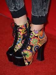 Fivel Stewart sported a pair of floral printed lace-up ankle boots.