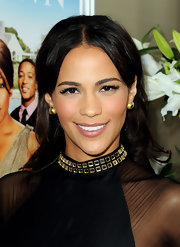 Paula Patton raised the stakes on her glamorous look with flirty lashes that really drew attention to her flawless complexion.