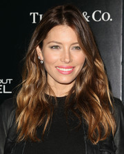 Jessica Biel sported gorgeous, messy-sexy waves when she attended the premiere of 'The Truth About Emanuel.'
