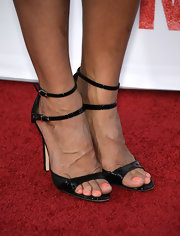 Zoe Bell showed that sometimes you can't go wrong with a simple black sandal.