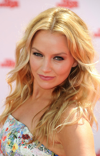 More Pics of Becki Newton Long Wavy Cut (1 of 15) - Becki Newton Lookbook - StyleBistro