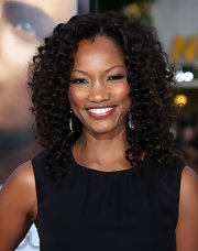 Garcelle Beauvais showed off her spiral curls while hitting the 'Charlie St. Cloud' premiere.