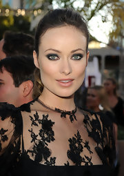 Olivia Wilde added drama to her Dolce & Gabbana look with smoky eyes.