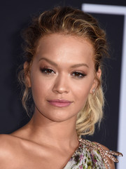 Rita Ora opted for a casual wavy ponytail when she attended the premiere of 'Fifty Shades Darker.'