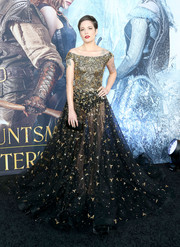 Halsey stole the show in a heavily embellished gold and black off-the-shoulder gown by La Bourjoisie at the premiere of 'The Huntsman: Winter's War.'