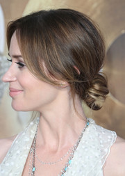 Emily Blunt opted for a loose, low bun when she attended the premiere of 'The Huntsman: Winter's War.'