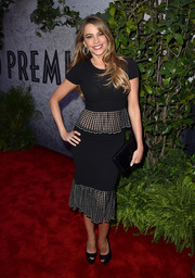 Sofia Vergara paired her top with a matching mermaid-style skirt.