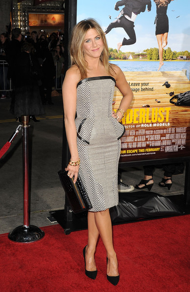 More Pics of Jennifer Aniston Long Center Part (2 of 68) - Jennifer Aniston Lookbook - StyleBistro