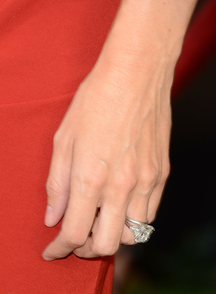 Delightful More Pics Of Jennifer Garner Engagement Ring (60 Of 113)   Wedding Rings  Lookbook   StyleBistro