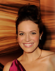 Mandy Moore showed off her loose high bun while attending the premiere of 'Tangled'.