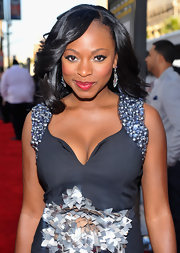 Naturi showed off her shoulder length curls while hitting the premiere of 'Lottery Ticket'.