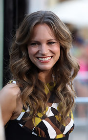 Susan Downey's boho-style long curly 'do at the 'Orphan' premiere was simply fab!
