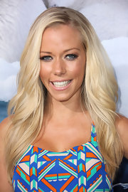 Kendra Wilkinson wore her blond locks long and flowing at the premiere of 'To the Arctic.'