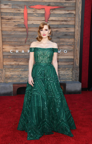 More Pics of Jessica Chastain Medium Wavy Cut (1 of 27) - Jessica Chastain Lookbook - StyleBistro [it chapter two,dress,clothing,gown,carpet,red carpet,flooring,green,shoulder,strapless dress,haute couture,arrivals,jessica chastain,california,regency village theatre,warner bros. pictures,westwood,premiere]