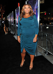 Queen Latifah wore a vibrant teal knit dress for the premiere of 'Joyful Noise.'