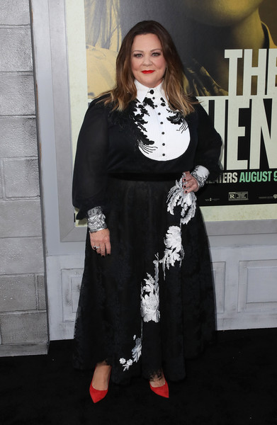 Melissa McCarthy matched her top with an embroidered maxi skirt.