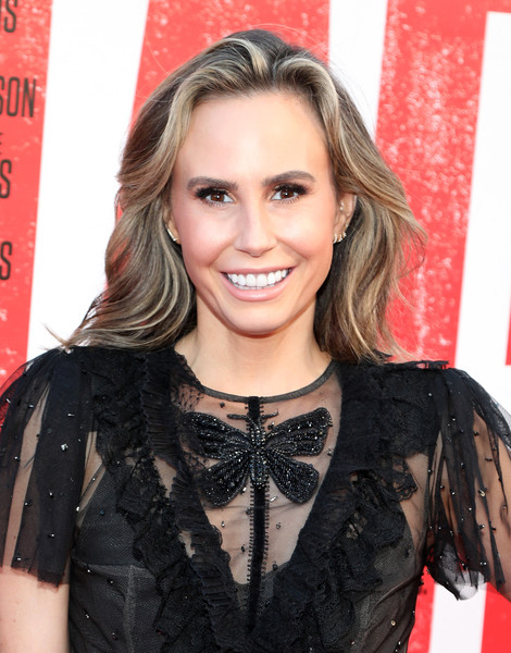 Keltie Knight wore her hair down in a gently wavy style at the premiere of 'Tag.'