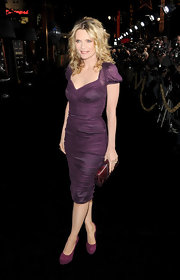 Michelle Pfiefer looked impossibly fabulous at the 'New Year's Eve' premiere in an eggplant cocktail dress.