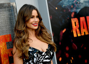 Sofia Vergara wore her signature center-parted waves at the premiere of 'Rampage.'