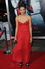Katerina Graham carried a dazzling black clutch to the 'Red Riding Hood' premiere.